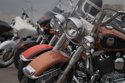 様々な形のバイク